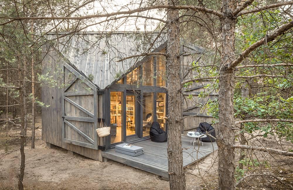 Bookworm Cabin 4